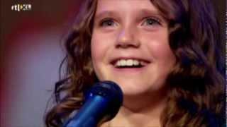 Amira Willighagen - VTM News - 30 December 2013