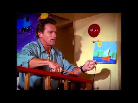 Kindergarten cop (music scene) - Children's montage
