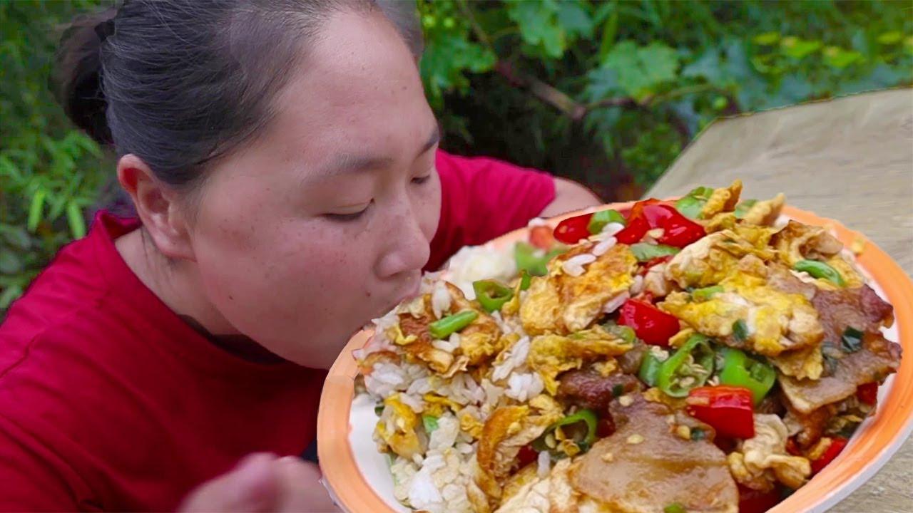 """胖妹做家乡菜,俗称""""农家一碗香"""",胖妹:吃这菜米饭算是遭了殃【陈说美食】"""