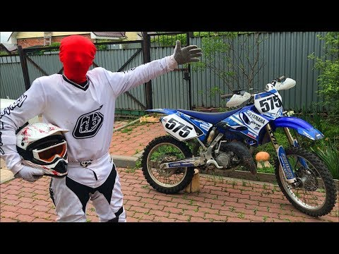 Biker Red Man Started Race Motocross on Motorcycle Yamaha w/ Funny Motorcyclist for Kids