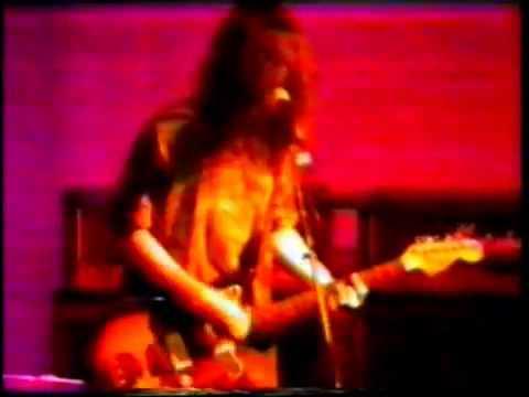 Dinosaur Jr. live 1989