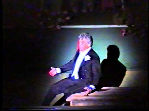 """Kammersaenger HERMANN PREY sings """"Gruess mir die suessen..."""" from GRAEFIN MARIZA"""