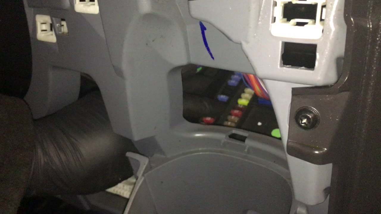 maxresdefault remove trim to access fuse box on transit custom youtube 2015 ford transit 250 fuse box location at fashall.co