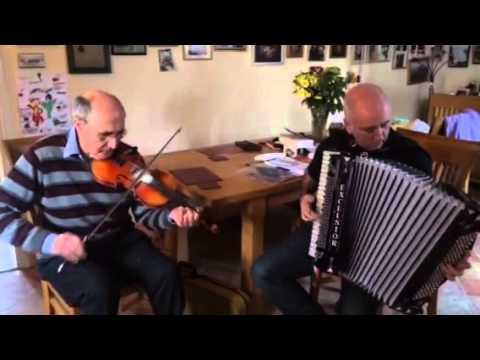 The Mason's Apron & St. Anne's Reel - John Lawlor and Chris Devlin