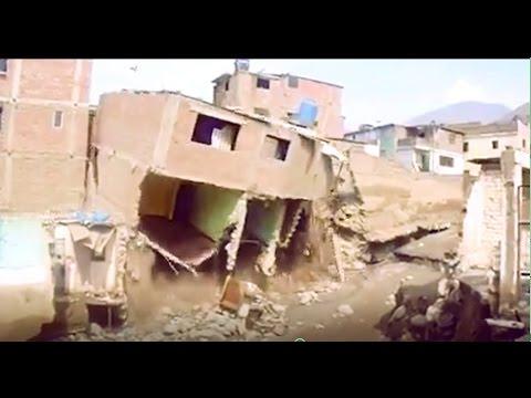 Casa se cae en CHOSICA luego del huaico -PERU 2017 - YouTube