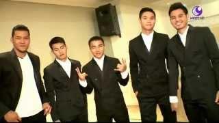 5 นักเตะไทยแซวกันขำๆ  - ดาวกระจาย