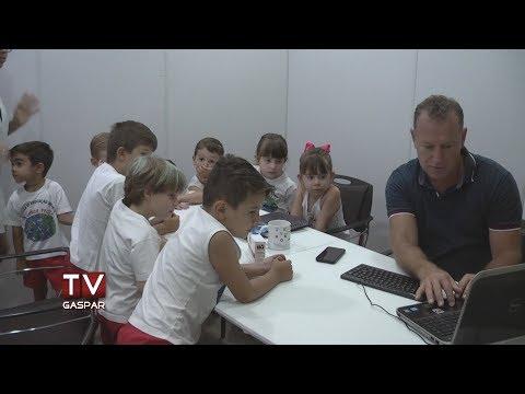 Alunos da EEI Mundo Feliz visitam a TV Gaspar