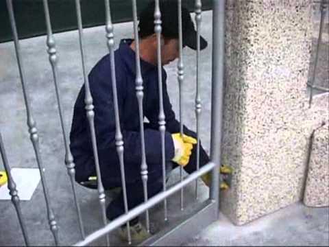 Montaggio recinzione arianna youtube for Leroy merlin cancelli