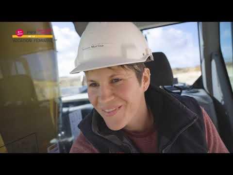 Femme dans l'industrie : Marina VOISIN, conductrice d'engins chez Groupe  Garandeau