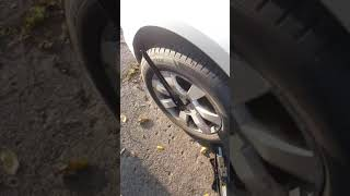 How to remove tight lug nuts using your body weight