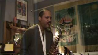Breeze Cayolle demonstrates the Saxgourmet «HANDMADE» tenor mouthpiece