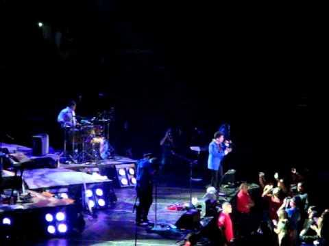 """Bruno Mars, """"Somewhere in Brooklyn"""" (Honolulu)"""