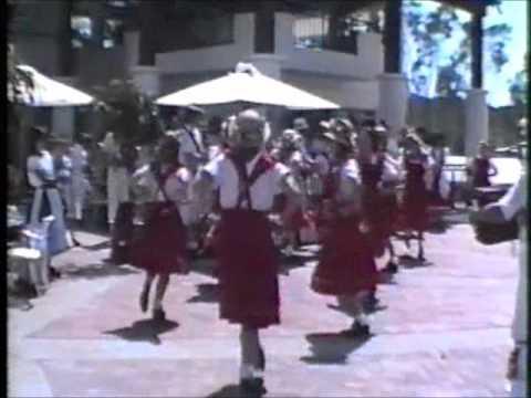 "Moreton Bay Morris Ladies Dance ""Gisbon"""