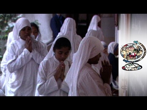 What Really Goes On At Mother Teresa's Mission In India? (2001)
