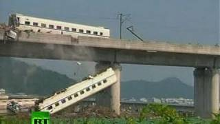 Video of crashed China bullet trains after collision kills 35
