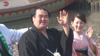 大相撲初場所で初優勝して日本出身力士として10年ぶりに賜杯を抱き、...