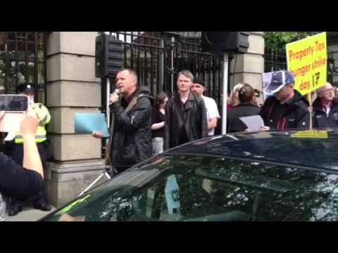 Richard Boyd Barrett outside Dail