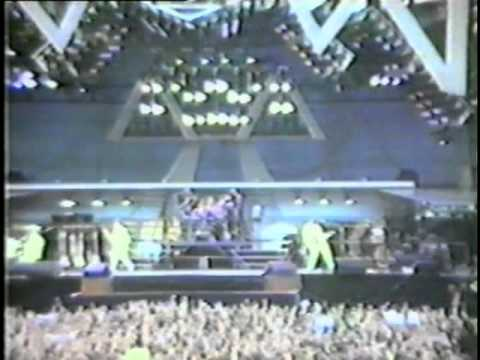 Queen St James Park 1986 Part 1