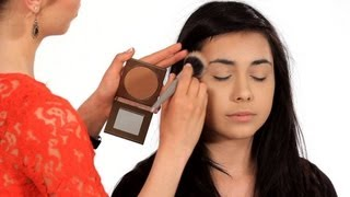 How to Use Bronzer Properly | Makeup Tricks thumbnail