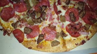 Little Ceasers 9 Buck 5 Meat Pizza Review