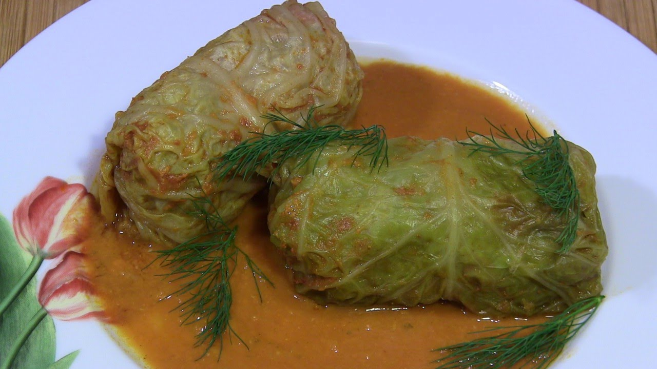 Gołąbki Z Młodej Kapusty W Sosie Pomidorowym смотреть