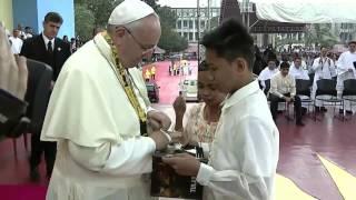 Pope Francis' emotional encounter with Tulay ng Kabataan kids