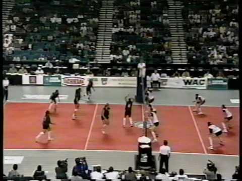 1 Wahine Volleyball g1