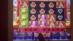 LeoVegas.com. Slot machine cheat caught on camera - Leo Vegas game cheat