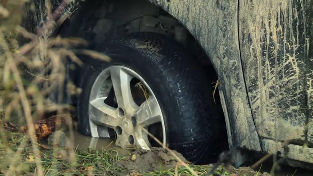 Kierowca przecenił terenowe możliwości Dacii! #Pomoc_Drogowa