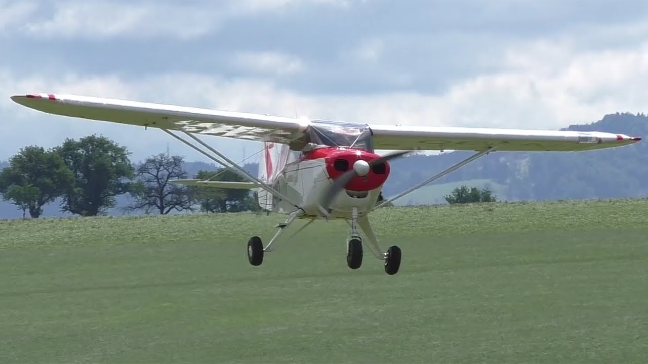 Piper PA-22-108 Colt fly-by and touch & go at Airfield Seitenstetten |  OE-AIZ