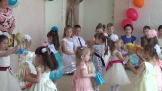 танец с куклами младшие на выпускном