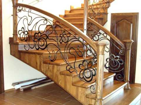 Перила 86  Деревянная лестница с коваными перилами Днепропетровск фото кованые перила для лестницы