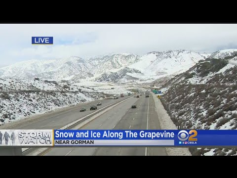 Drivers Cautiously Drive The 5 Freeway In The Grapevine