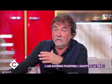 """""""Les Rivières Pourpres"""" adapté à la télé ! - C à Vous - 28/11/2018"""