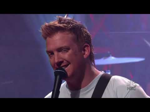 Queens Of The Stone Age - Go With The Flow (Leno 2003)