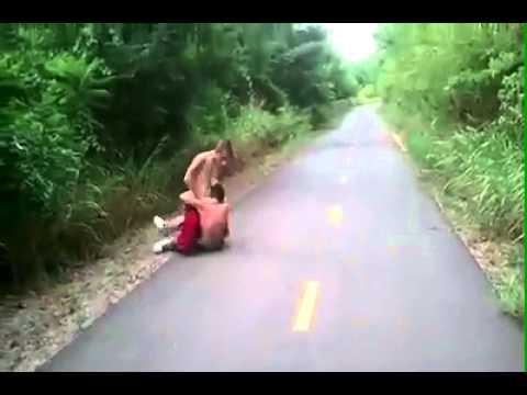 Kissing a Hot Cougar / MILFиз YouTube · Длительность: 58 с
