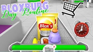 Bloxburg Day Routine | Throwing a Party and Grocery Shopping | Roblox Roleplay