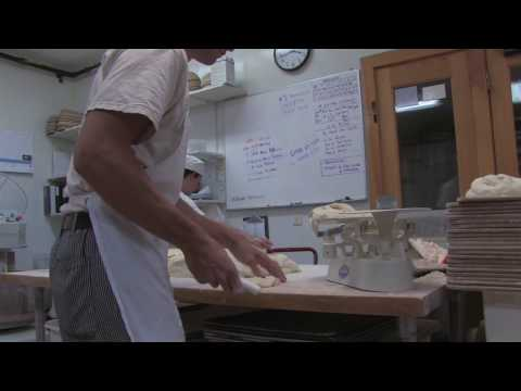 The King Arthur Flour Bakery: Artisans at Work