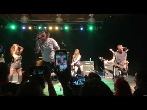 Lunchbox - Corey Taylor Covers Hot For Teacher