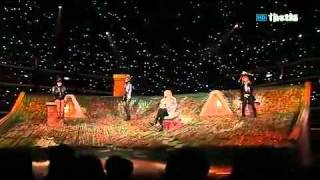 2NE1 - It Hurts Live HD(contains the lyric)