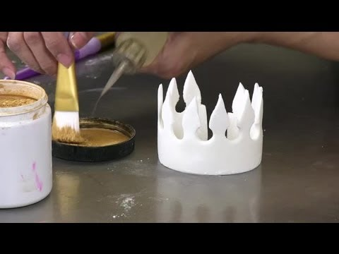 How to Make Fondant Crowns : Fondant Designs - YouTube