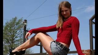 Ножки.Девушки в юбках и юбочках