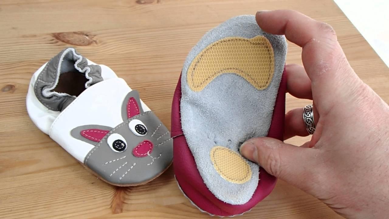 grossiste 11081 0302e Comparatif entre chaussons en cuir souple avec et sans patch antidérapants.