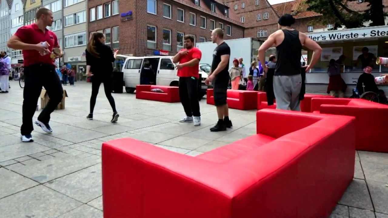 rote sofas m bel mahler flashmob youtube