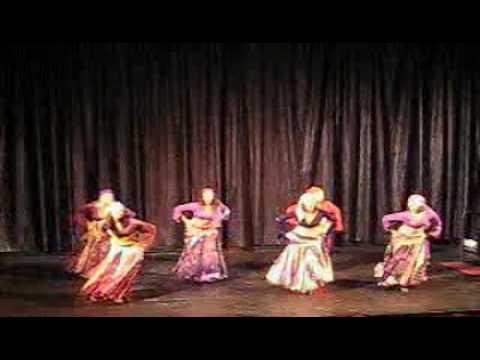 Danza oriental turca de joven