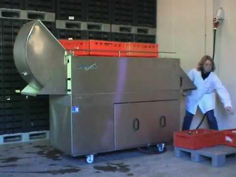 tunnel de lavage de caisses economy youtube. Black Bedroom Furniture Sets. Home Design Ideas