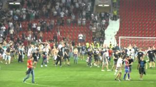 Oslava fanoušků, konec zápasu 1/2 .. SK Slavia Praha - HNK Hajduk Split (1:0) 2:0