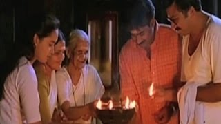 "Malayalam Song | "" Raavu.... Nilaa poovu. ... "" 
