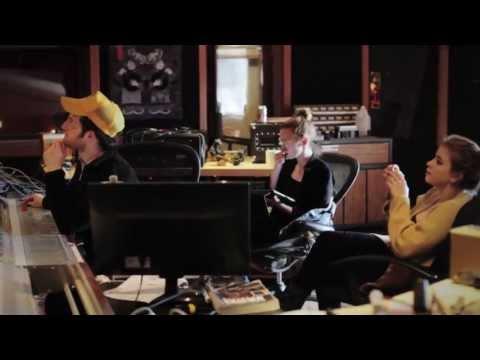 Lucius - Hey, Doreen (studio)