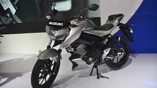 """Tin nhanh 24/7 - Suzuki """"chốt giá"""" mẫu côn tay 150cc mới với giá 40 triệu đấu Yamaha TFX150.(Được coi là đối thủ chính của Yamaha M-Slaz/TFX150/Xabre 150 tại Đông Nam Á, mẫu naked bike phân khối nhỏ Suzuki GSX-S150 sẽ được bán ra vào ..., 2017-02-02T14:27:26.000Z)"""